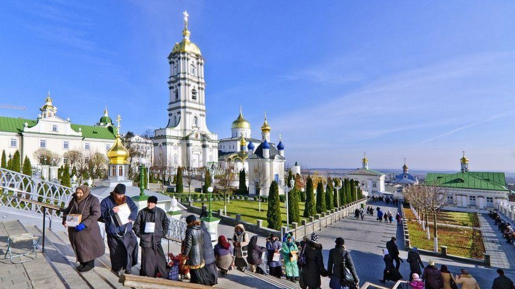 Kota Ukraina ditutup Setelah Wabah Corona di Biara Ortodoks Terbesar Eropa Timur
